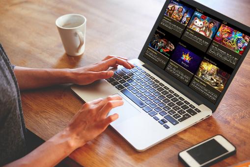 Manfaat dan Keuntungan Game slot Online